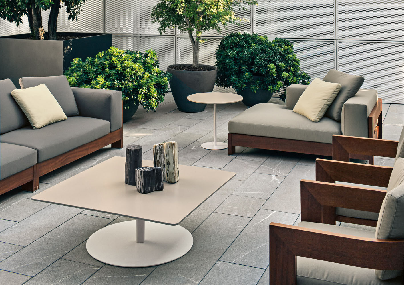 minotti outdoor furniture. 02 Minotti Outdoor Furniture