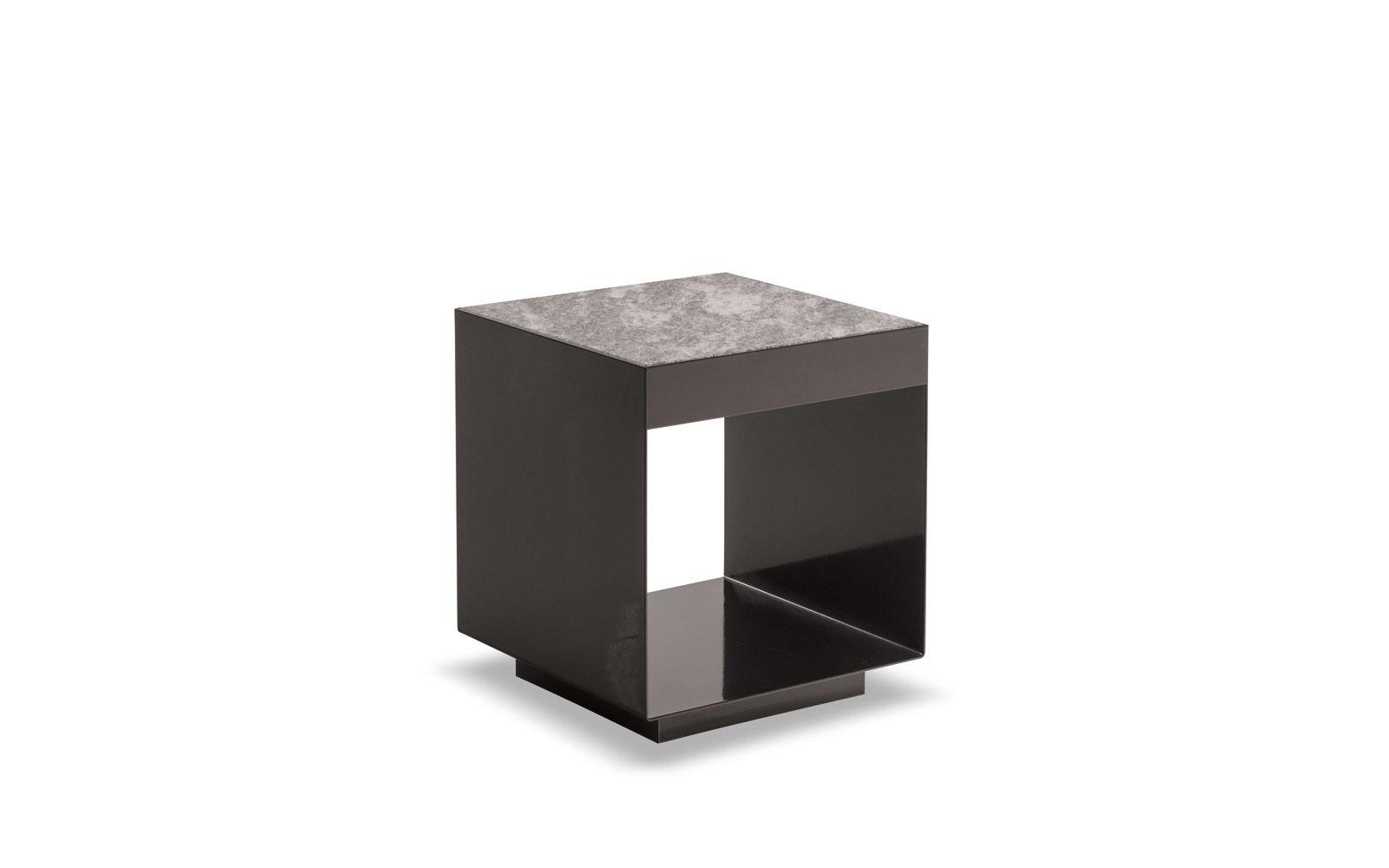elliott outdoor coffee tables en. Black Bedroom Furniture Sets. Home Design Ideas