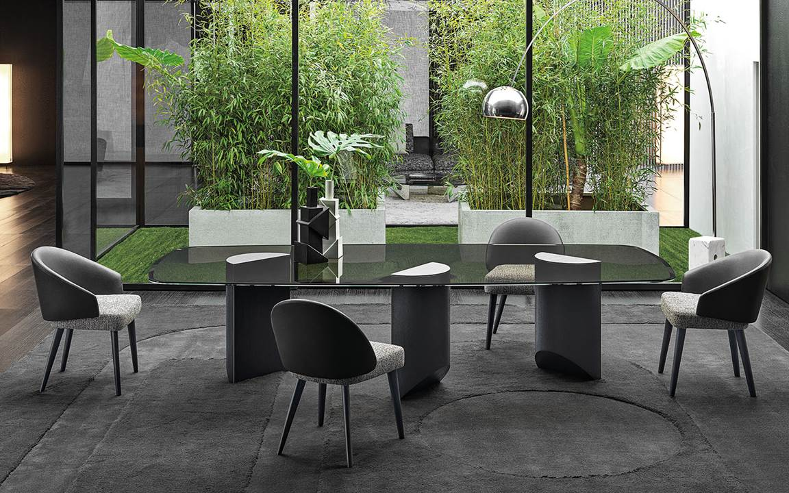 Wedge Dining Tables En
