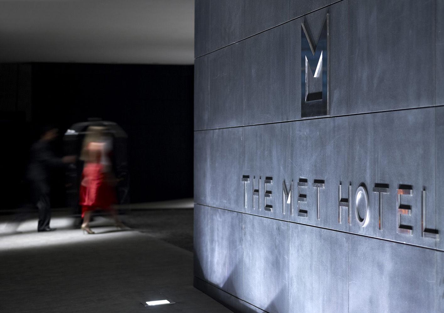 Thessaloniki, The Met Hotel. 01 · 02
